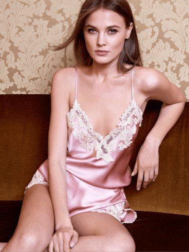Conjunto rosa de la colección primavera/verano 2019 de La Perla