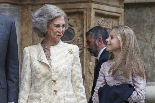 Los looks de la Reina Sofía y la Infanta Sofía en la Misa de Pascua 2019