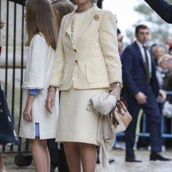 La Reina Letizia y sus hijas la Princesa Leonor e Infanta Sofía en la Misa de Pascua 2019