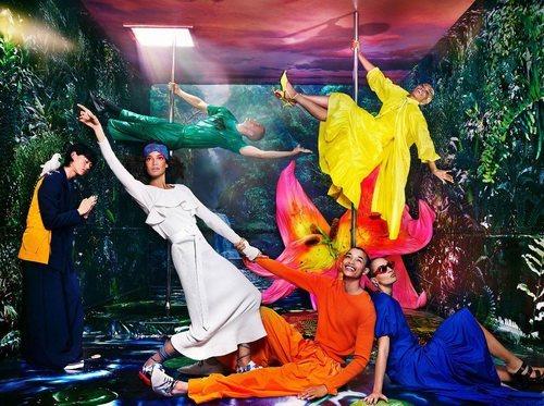 Los colores eléctricos protagonizan la colección 'Kenzotopía' de Kenzo