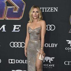Scarlett Johansson con un vestido brillante