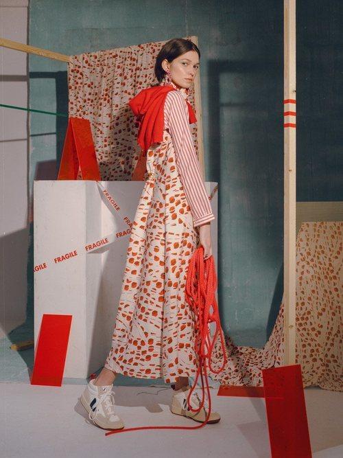 Vestido estampado de la colección primavera/verano 2019 de Compañía Fantástica
