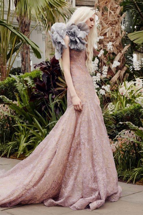 Vestido 'Iris' de la colección de novias primavera 2020 de Vera Wang