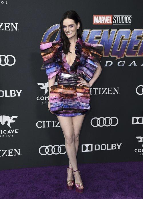 Lydia Hearst con un vestido estampado de acuarela
