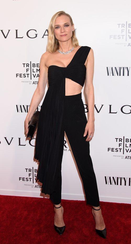 Diane Kruger con un top plisado