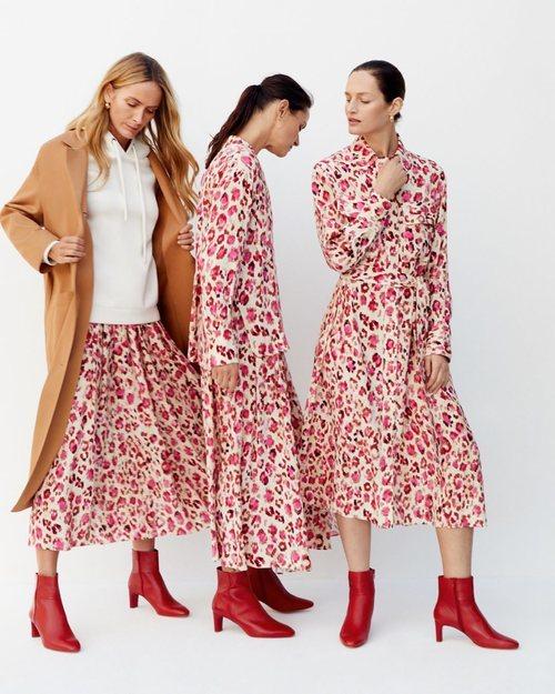 Tres modelos luciendo un vestido de Mango 2019