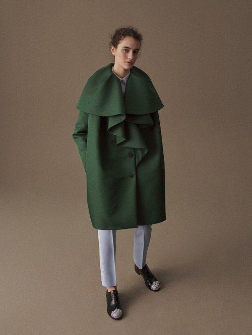 Abrigo verde de la colección otoño/invierno 2019 de Delpozo