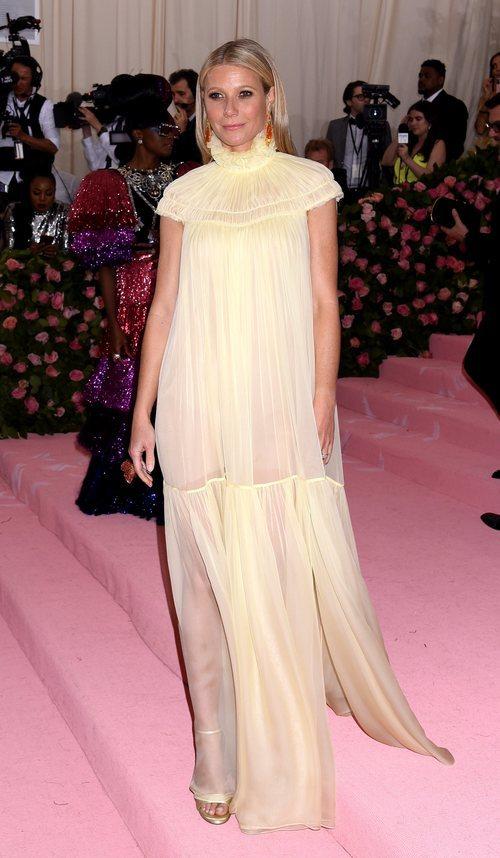Gwyneth Paltrow con un vestido de Chloe en la alfombra roja de la Gala MET 2019