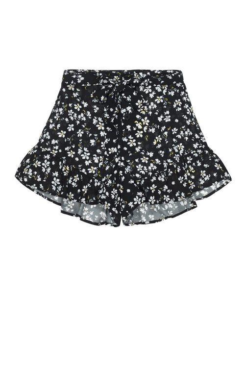 Shorts de flores de la colección de Pull&Bear by Rosalía