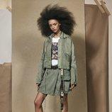 Cazadora verde de la colección 'SRPLS 2' de Zara