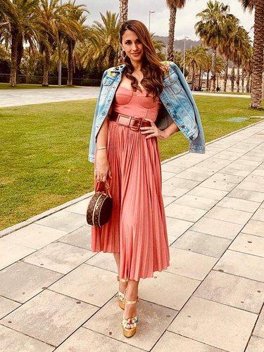 Antonella Roccuzzo con un vestido de Rosa Clará para ir a una boda