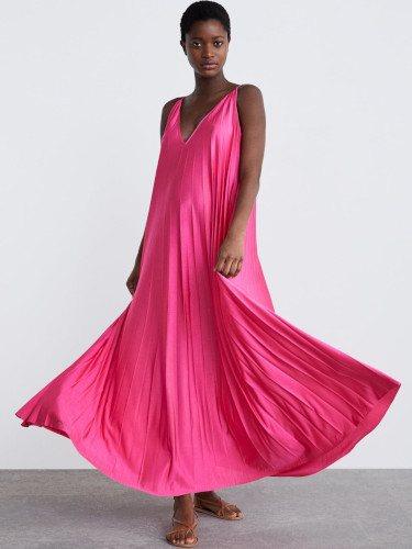 Vestido fucsia de la colección premamá primavera 2019 de Zara