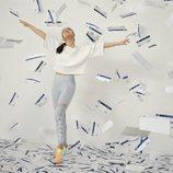 Selena Gomez con zapatillas 'SG Slip-on' color sunrise de Puma