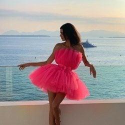 Kendall Jenner con vestido de tul con vuelo de Giambattista Valli x H&M