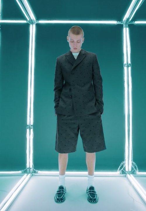 Americana de lana y pantalón corto de traje de Giambattista Valli x H&M