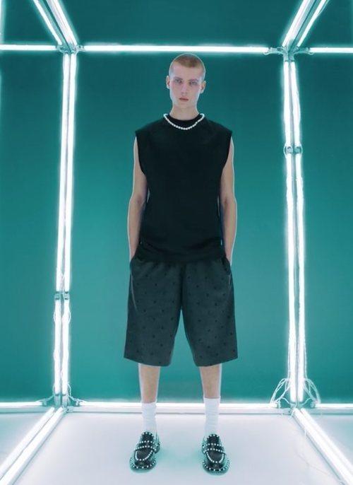 Sudadera y pantalón corto de Giambattista Valli x H&M