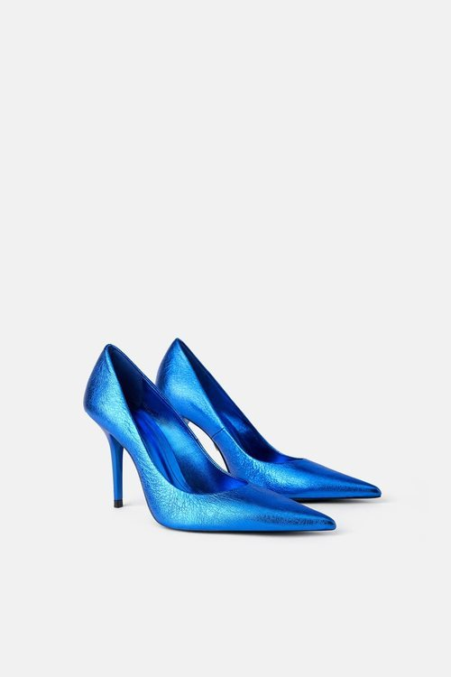 Zapato cerrado de tacón de la colección Blue Collection de Zara 2019