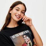 Camiseta negra Blancanieves de Pull&Bear primavera/verano 2019