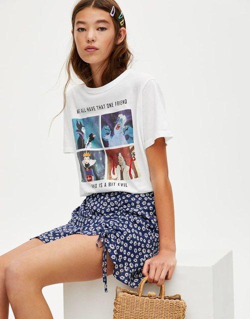 Camiseta blanca con collage Disney de Pull&Bear primavera/verano 2019