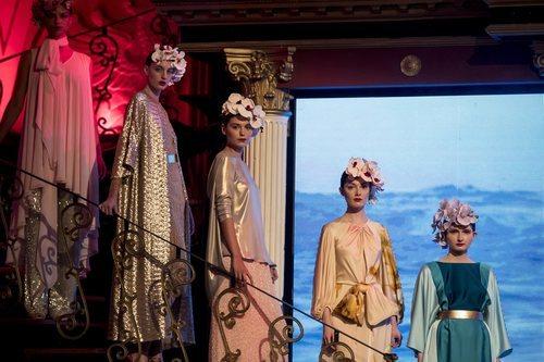 Modelos durante el desfile de la colección crucero de Juan Duyos para 'Alta Mar'