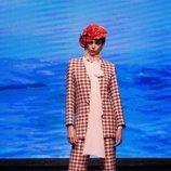 Traje de chaqueta y pantalón estilo tweed de la colección crucero de Juan Duyos para 'Alta Mar'