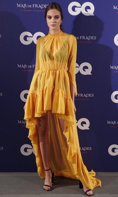 Carmen Celli con vestido de Fabio Encinar en los Premios Inconquistables GQ 2019