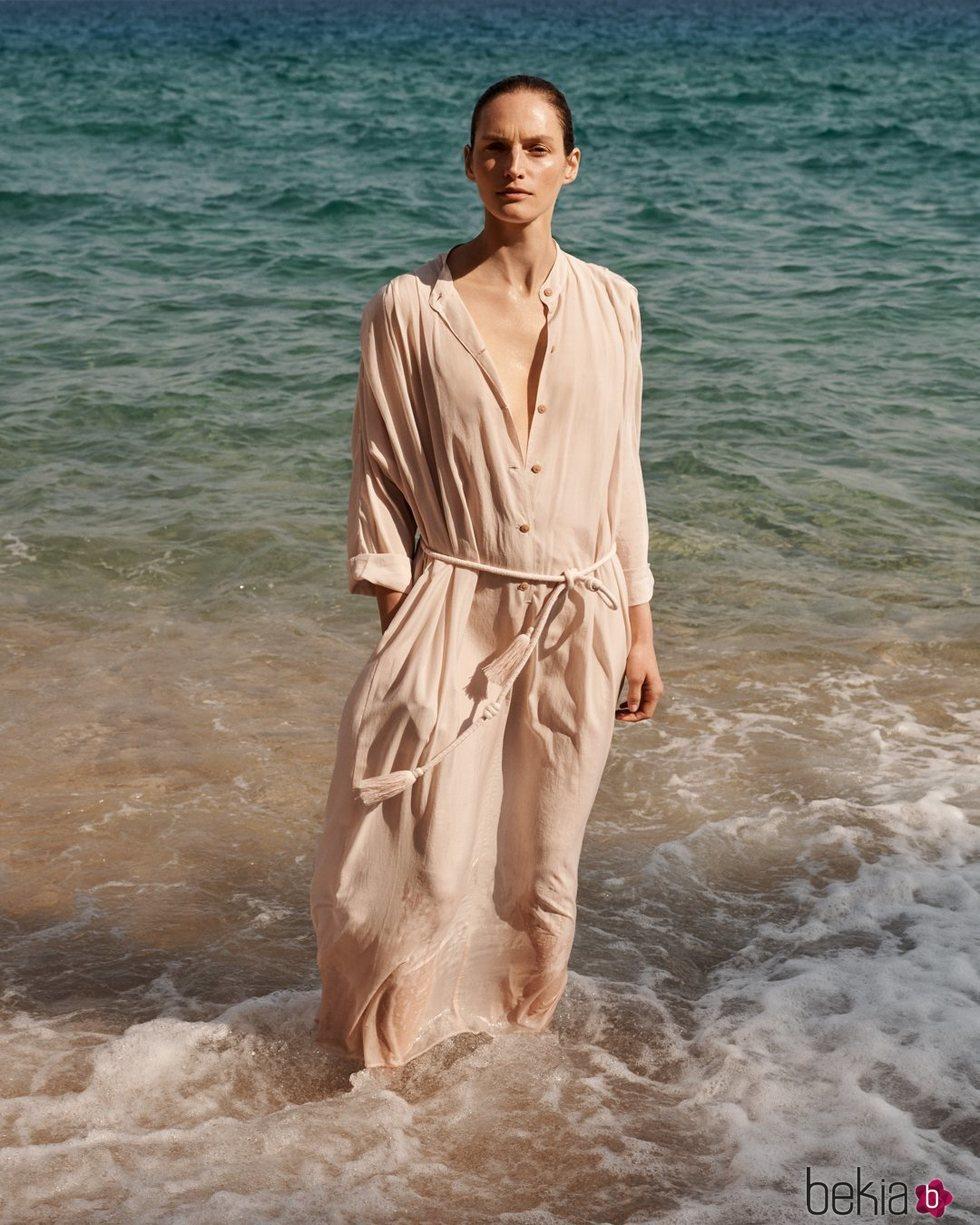 Vestido de la colección sostenible primavera/verano 2019 de Mango