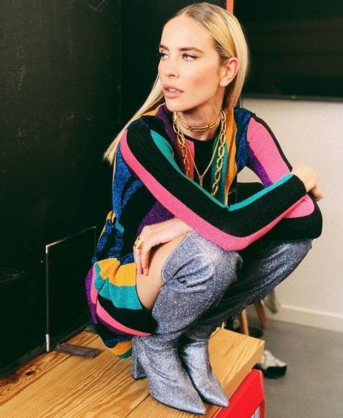 Brisa Fenoy con un vestido de María Escoté en el rodaje de 'Top Photo'
