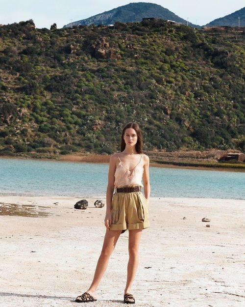 Top camisero de la colección 'Ocean Breeze' de Alberta Ferretti