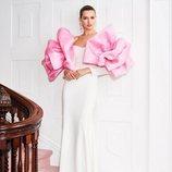 Vestido blanco de la colección pre-fall 2019 de Christian Siriano