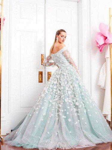 Vestido azul de la colección pre-fall 2019 de Christian Siriano
