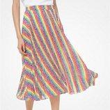 Falda a rayas para la colección Pride 2019 de Michael Kors