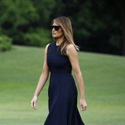 Melania Trump y su vestido 'little black dress' homenaje a Audrey Hepburn