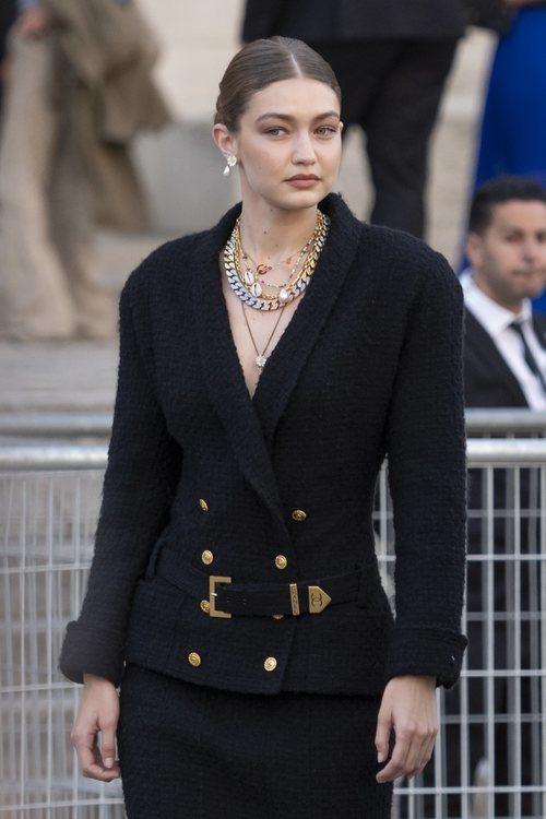 La supermodelo Gigi Hadid en el homaneje a Karl
