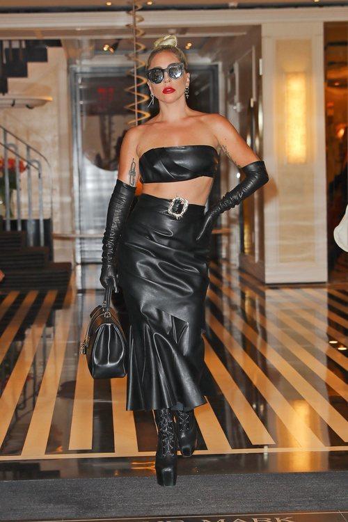 Lady Gaga se viste con cuero en su úllima aparición
