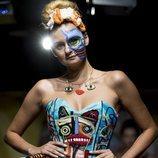 Tribus y colores llamativos en el desfile de Maya Hansen MBFW 2019