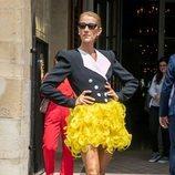 Céline Dion vestida de Ronald van Derkemp en París