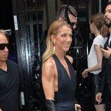 Céline Dion vestida de Schiaparelli en la Semana de la Alta Costura de París