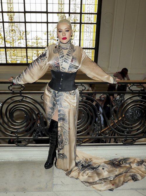 Christina Aguilera en el desfile de Jean Paul Gaultier en la Fashion Week de París