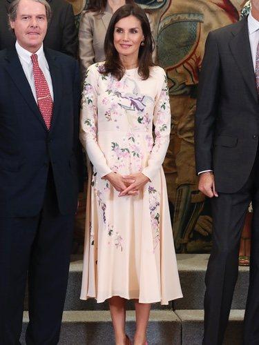 La Reina Letizia recupera su controvertido vestido de Asos