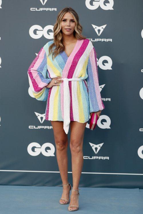 Rosanna Zanetti con un minidress con forma de bata en la fiesta del 25 aniversario de la revistaGQ