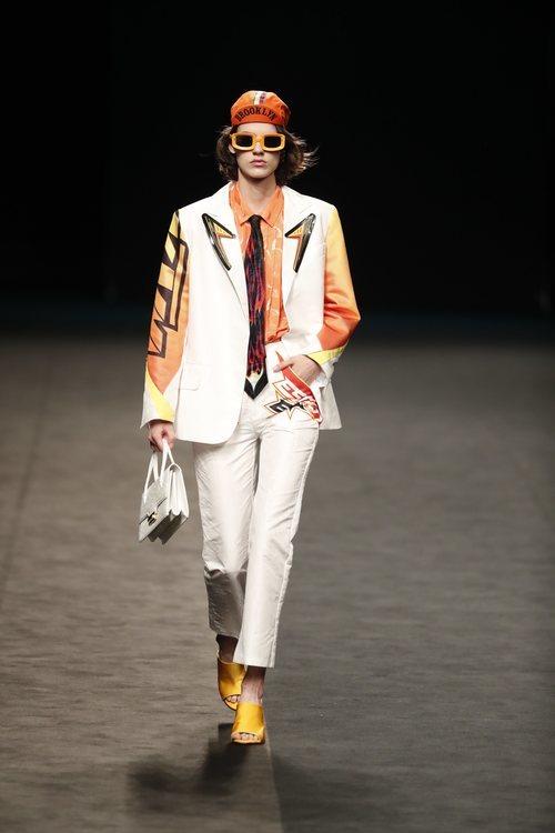 Look garçon y estética art decó en la colección primavera/verano 2020 de WallapopxMaríaEscoté