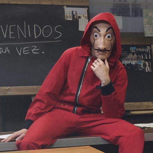 Mono rojo de Diesel x 'La casa de Papel'