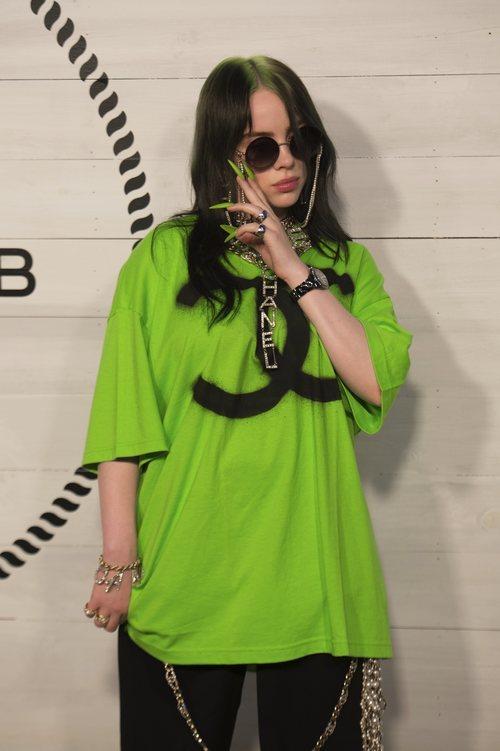 Billie Eilish de verde neón en la fiesta de Chanel 2019