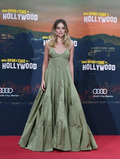 Margot Robbie asiste a la premier de su próximo proyecto cinematográfico en Berlín
