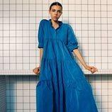 Maxi vestido azul de la colección 'Pretty Bold' de Zara TRF