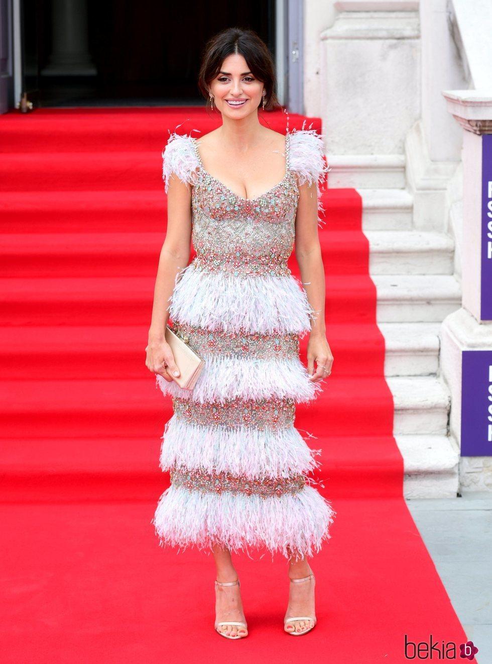 Penélope Cruz deslumbrante en la presentación de 'Dolor y Gloria' en Londres