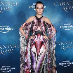 Cara Delevingne vestida de Iris Van Herpen en Los Ángeles