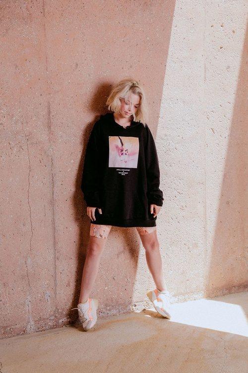 Sudadera y shorts Stella McCartney x Taylor Swift