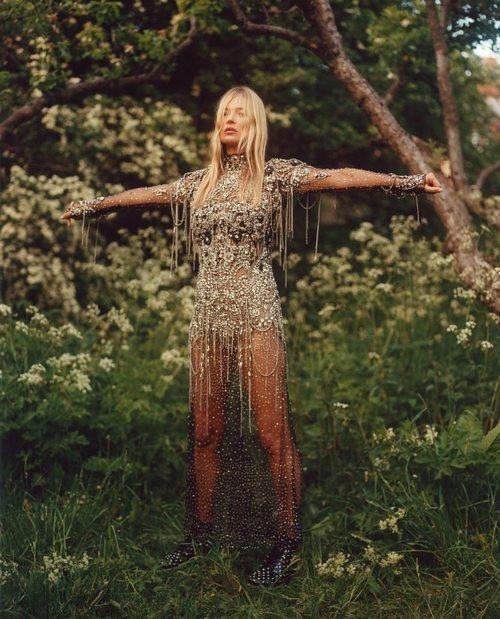 Vestido de pedrería de la colección otoño/invierno 2019 de Alexander McQueen